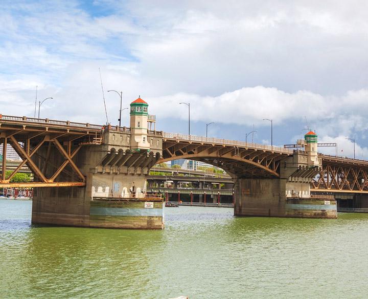 Southwest view of the Burnside Bridge over the Willamette River.